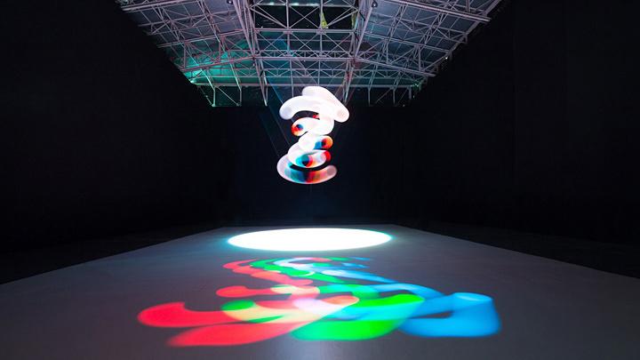 ART+COM『RGB|CMY Kinetic』2015 ©Flavio Coddou Sonar PLANTA展示風景