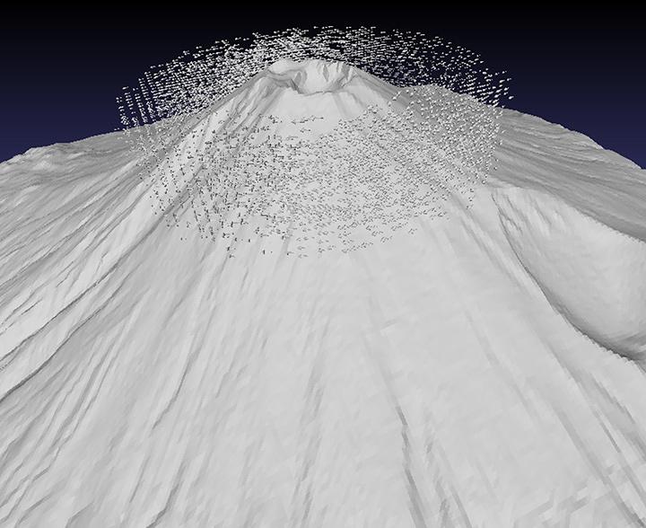 古賀良太『富士山 with ベクトル層流(一部)』iPad、STLデータ、透明樹脂、3Dプリント