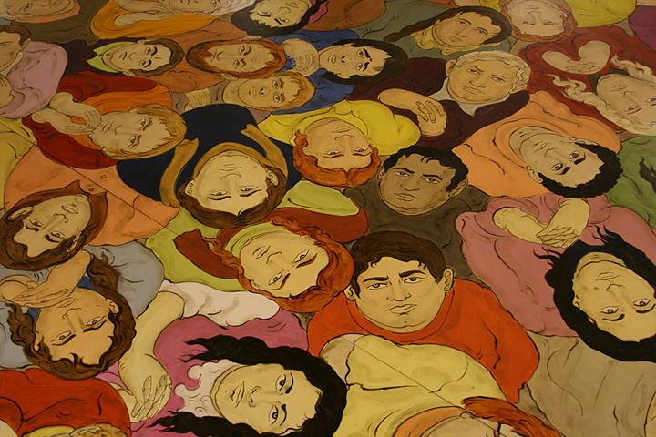 N・S・ハルシャ『空を見つめる人びと』(部分)2010年 アクリル、合板 展示風景:『リバプール・ビエンナーレ』、2010年 ©MORI ART MUSEUM All Rights Reserved.