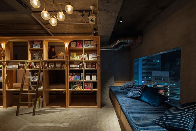リニューアル前のBOOK AND BED TOKYOイメージビジュアル ©R-STORE 2015
