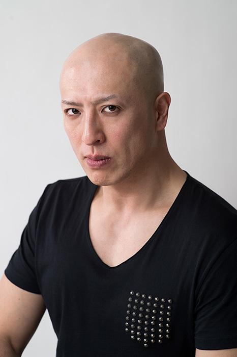 モンスター役の吉田メタル