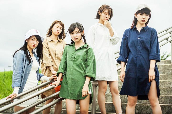 lyrical school(左からmei、ami、hime、minan、ayaka)