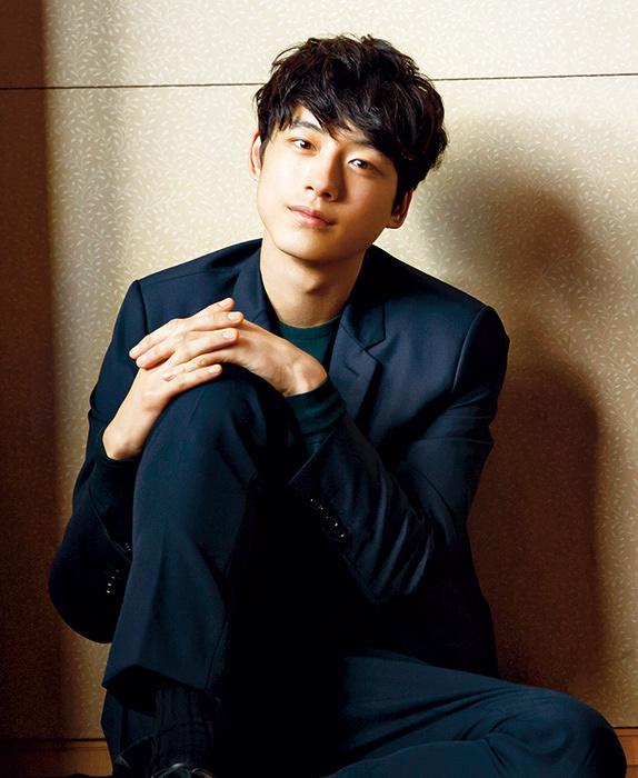 小野玲二役を演じる坂口健太郎