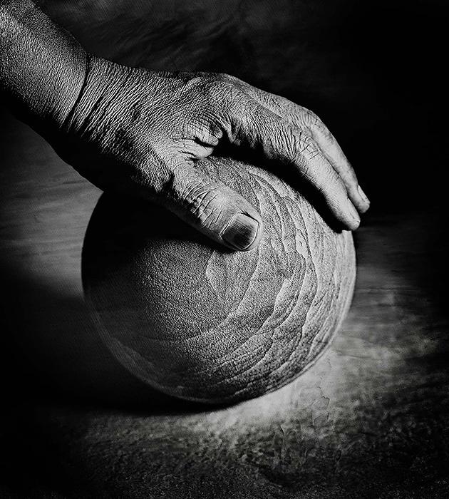 杉野信也『Self portrait my hand』 2002年 ©Shin Sugino