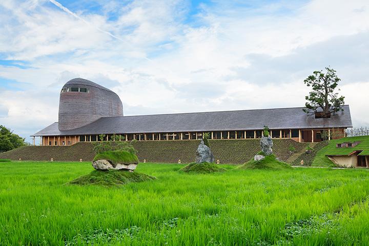 『銅屋根』 ラ コリーナ近江八幡 たねや本社屋 ©Nacása & Partners Inc.