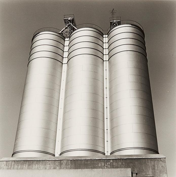 Hitoshi Tsukiji, 『Shashinzo』, 1984, Gelatin silver print, 24.9×24.9cm © Hitoshi Tsukiji / Courtesy of Taka Ishii Gallery Photography / Film