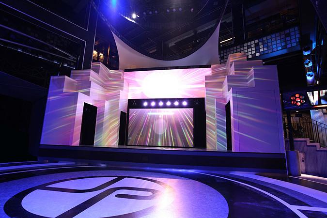 『ドラマ24 勇者ヨシヒコとジョイポリス城』メインステージ ©「勇者ヨシヒコと導かれし七人」製作委員会