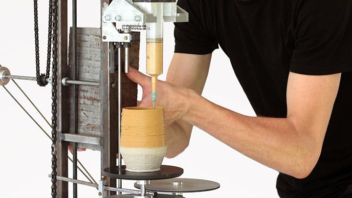 ダニエル・ド・ブルーイン『This New Technology - The World's First Analog 3D Printer』