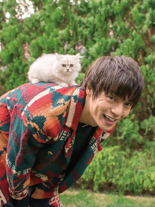 『窪田正孝×写真家・齋藤陽道 カレンダー2017.4-2018.3』収録写真イメージカット