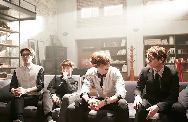 『EXO NEXT DOOR~私のお隣さんは EXO~』 ©LINE Corporation
