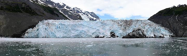 石塚元太良『Surprise Glacier』2016年 1500×5000mm ©Gentaro Ishizuka