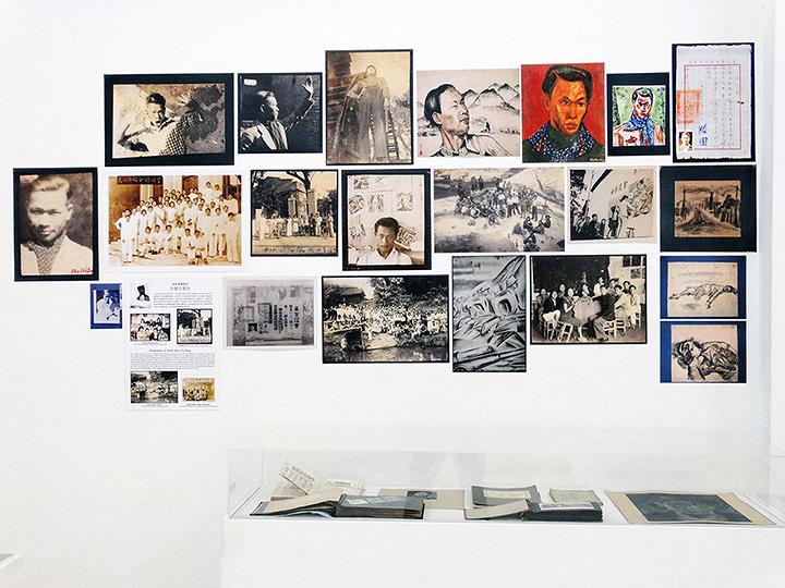 コウ・グワンハウ『シュ・ティエシェン――アーカイブから見る作家の100年』 2014年 南洋理工大学CCAレジデンシー・スタジオ、シンガポールの印刷物、資料現物 サイズ可変 所蔵:シュ・ティエシェン&シンガポール・アート・アーカイブ・プロジェクト 撮影:Koh Nguang How