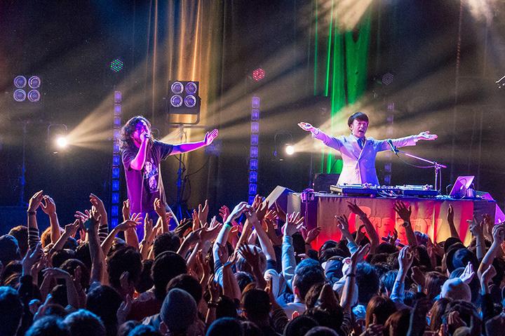 Creepy Nuts 『いつかのエキストラ、ライブオンステージ。』公演風景 2017年4月9日 東京・恵比寿 LIQUIDROOM
