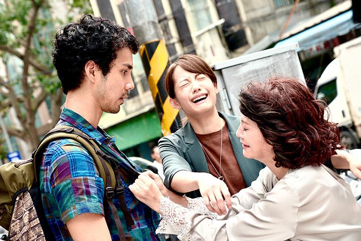 """『ママは日本へ嫁に行っちゃダメと言うけれど。』 ©""""Mamadame"""" production committee"""
