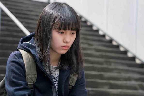 薫役の南沙良 ©2016「幼な子われらに生まれ」製作委員会