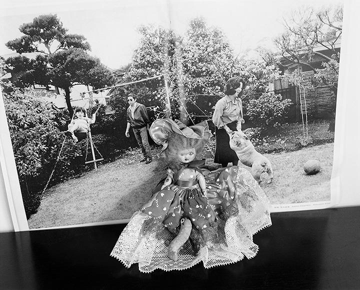 荒木経惟『東京墓情』2016年 ゼラチンシルバープリント ©Nobuyoshi Araki / Courtesy of Taka Ishii Gallery
