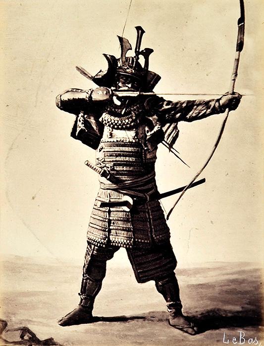 アポリネール・ル・バ『日本の武者』1864年 鶏卵紙 ©MNAAG.