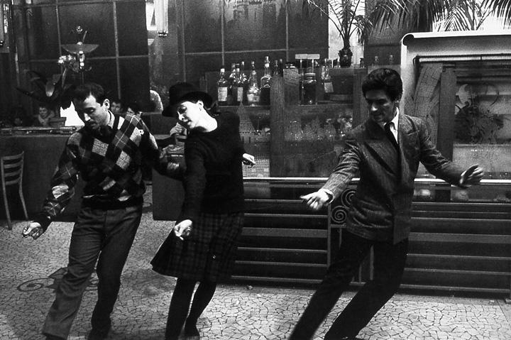 『はなればなれに』 ©1964 Gaumont – Orsay Films
