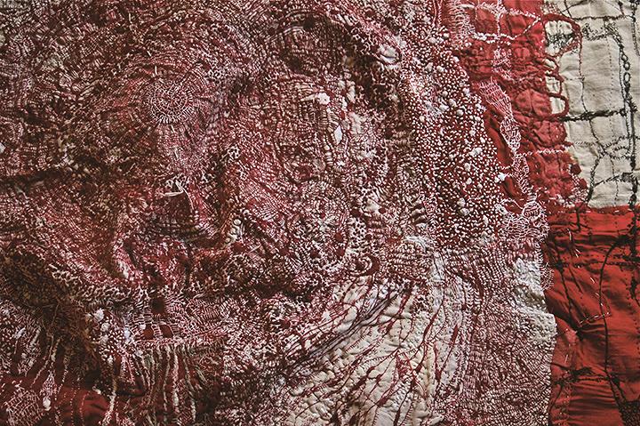 沖潤子『midnight』 (部分) 2016年 絹木、綿布、絹糸、木綿糸 120×130×10cm