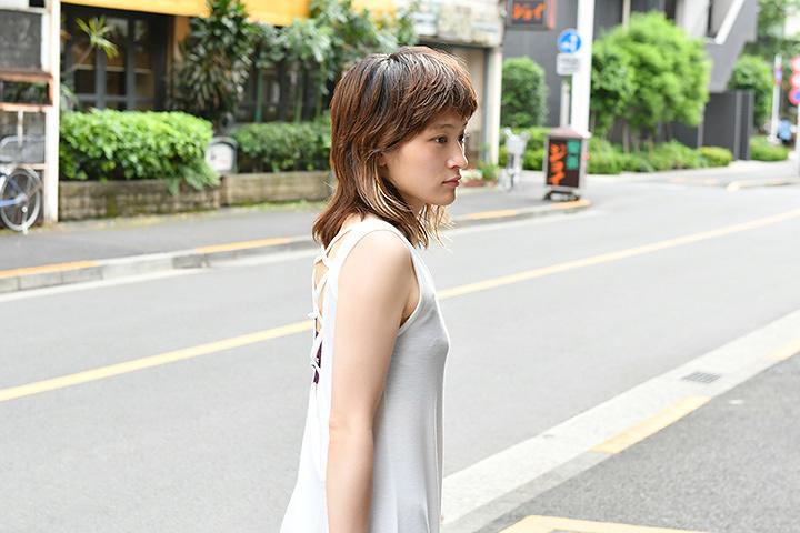 吉岡華役のコムアイ 『わにとかげぎす』より ©TBS