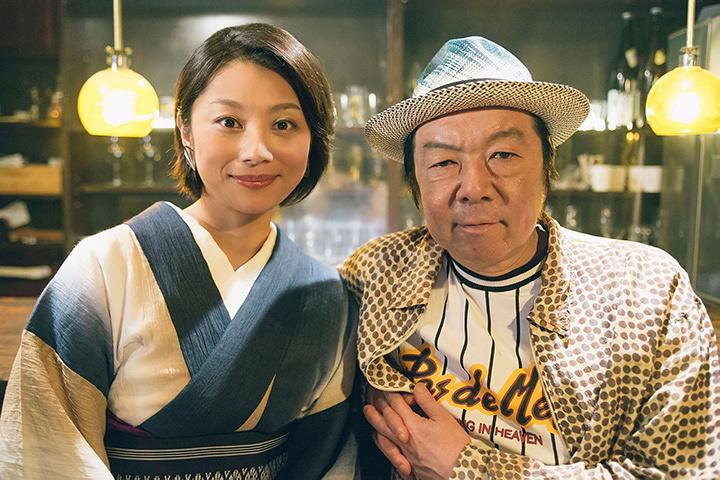 左から小池栄子、古田新太 ©「下北沢ダイハード」製作委員会