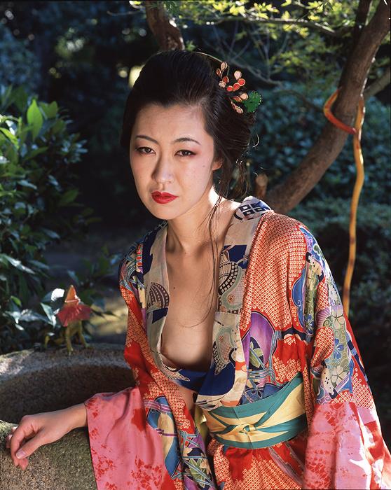 荒木経惟『遊園の女』2017