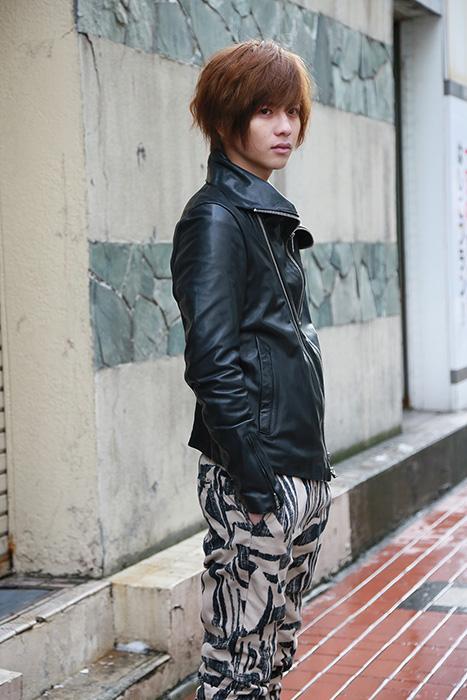 波留役の志尊淳 ©2017「探偵はBARにいる3」製作委員会