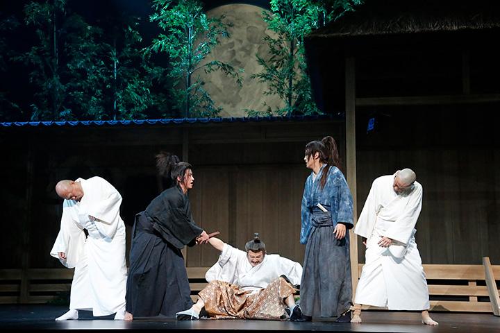 『ムサシ』前回公演の舞台写真 ©ホリプロ