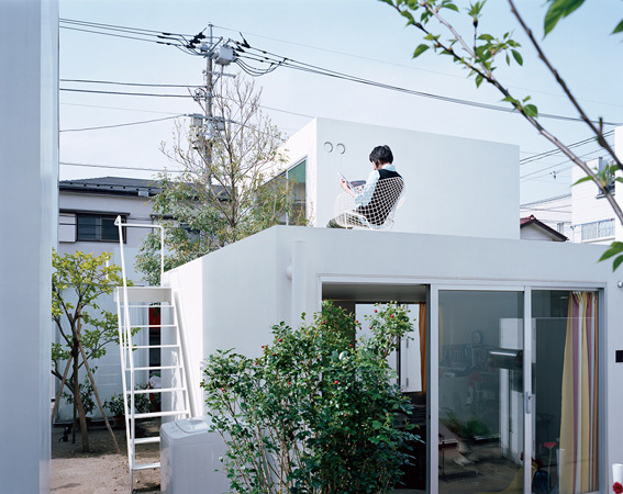 西沢立衛『森山邸』(2005) ©ホンマタカシ