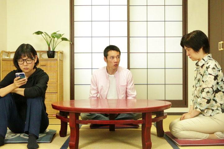 『アパートメントコンプレックス』(監督:山村もみ夫。 )