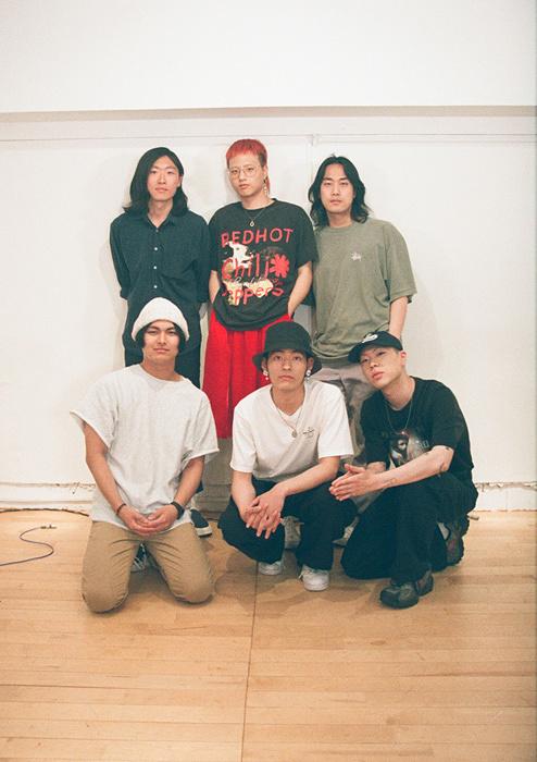 左上から時計回りに阿南智史、イム・ヒョンジェ、イム・ドンゴン、オ・ヒョク、イ・インウ、巽啓伍