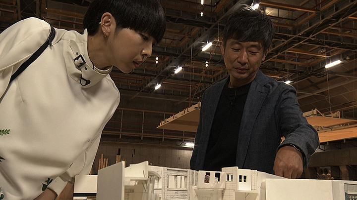 左からMIKIKO、種田陽平 『SWITCHインタビュー 達人達(たち)』より