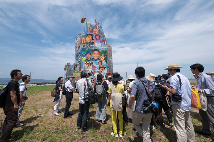 ナウィン・ラワンチャイクン『OK Tower』2016年 Installation view at Nishiura village, Megijima, Japan Photo by Navin Production