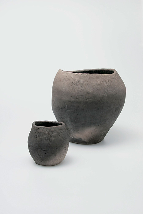 水瓶 水碗 石見の白土、野焼き焼成 石井直人