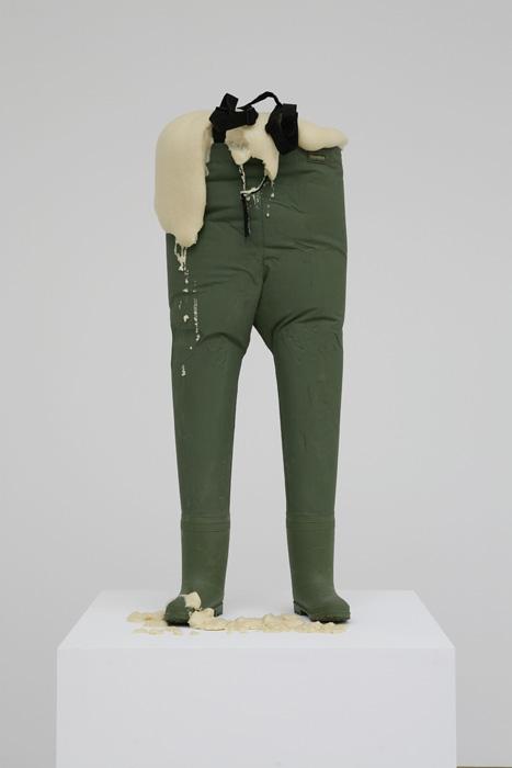 デイヴィッド・シュリグリー『チアーズ』2007 Courtesy: Artist and Stephen Friedman Gallery, London