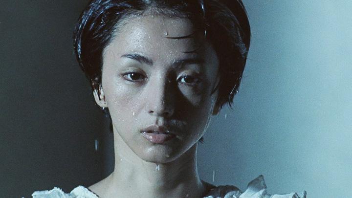 """満島ひかり""""群青""""PVより"""