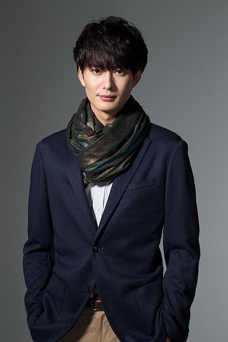 謎の男X役の岡田将生