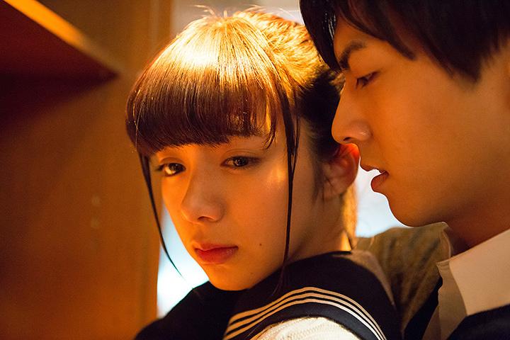 『一礼して、キス』 ©2017 加賀やっこ・小学館/「一礼して、キス」製作委員会