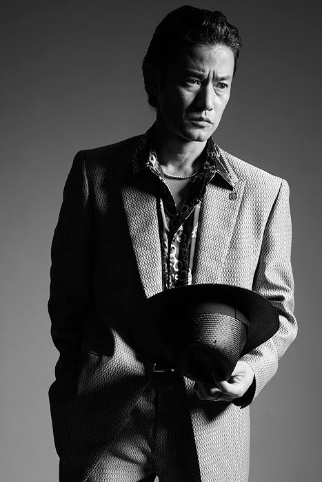 野崎康介役の竹野内豊 ©2018「孤狼の血」製作委員会