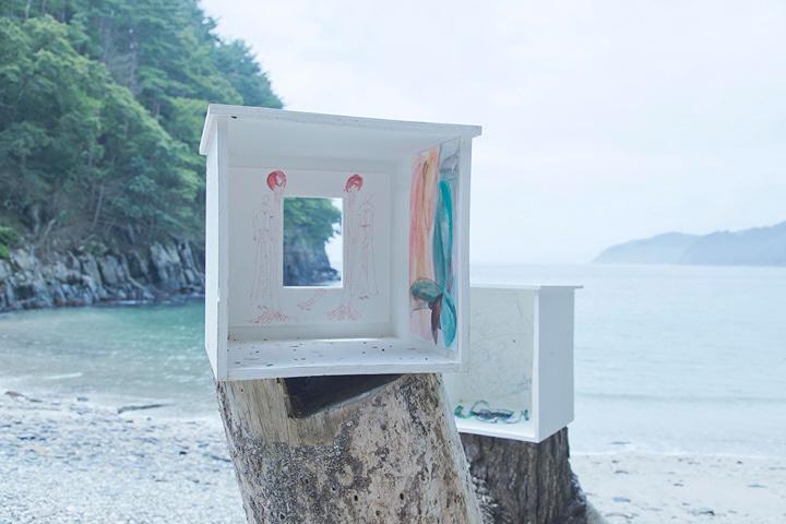 青木陵子+伊藤存『浜と手と脳』2017 撮影:後藤秀二