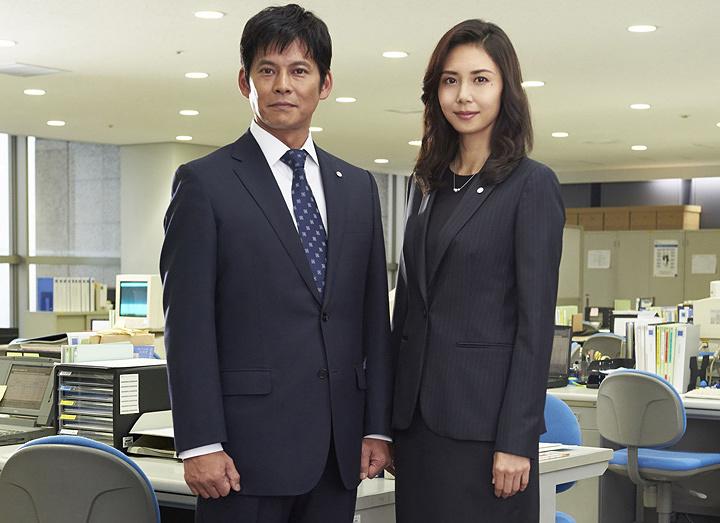 左から織田裕二、松嶋菜々子