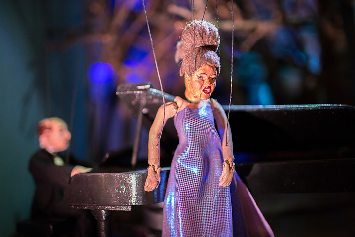 ジャネット・カーディフ&ジョージ・ビュレス・ミラー『The Marionette Maker』2014 Courtesy of the artists, Luhring Augustine, New York and Gallery Koyanagi, Tokyo