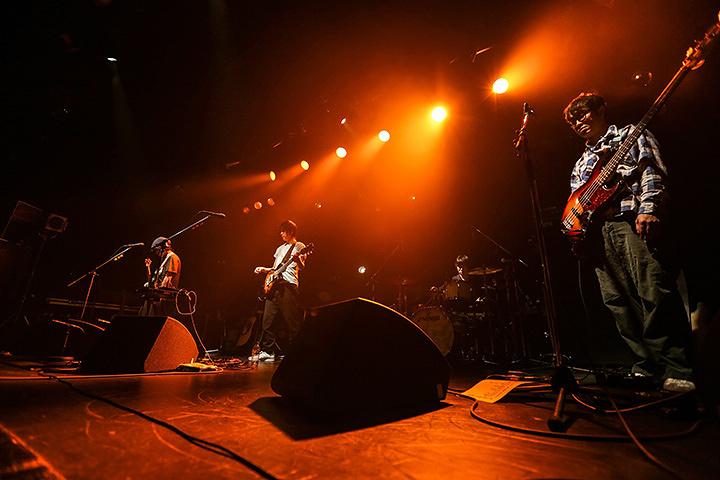 AL 2017年11月30日に恵比寿LIQUIDROOMで行なわれたライブより