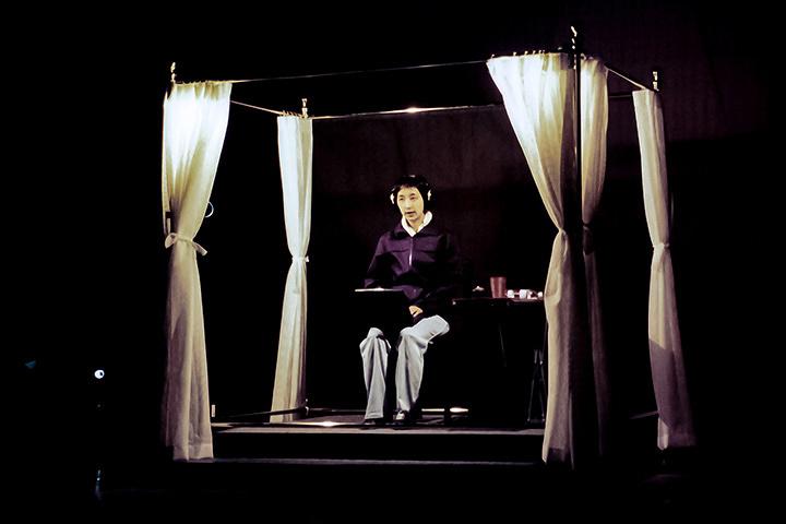 『新しい時代』2000年初演時公演風景