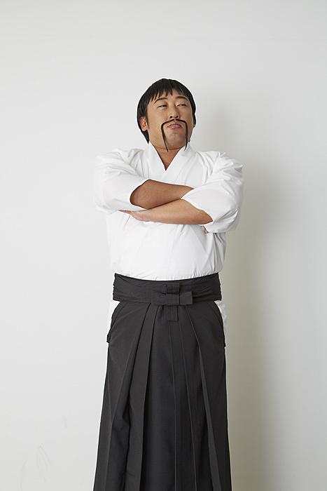 秋山竜次(ロバート)が演じる「やれたかも委員会」能島明 ©AbemaTV