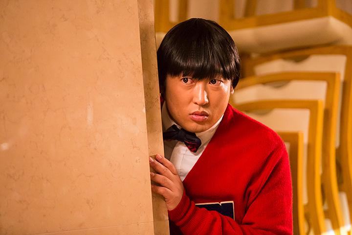 秋山竜次(ロバート)が演じる上杉みち ©テレビ東京