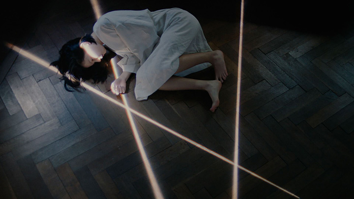 """Aimer""""眩いばかり""""PVより"""