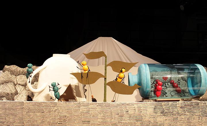 人形劇団ひとみ座『エドワード・ゴーリーのにんぎょうげき「うろんなむし」』イメージビジュアル