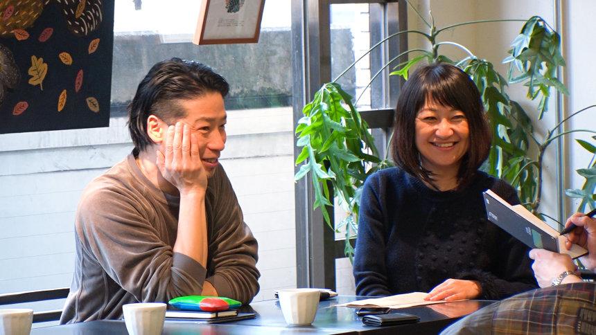 左から:谷尻誠、吉田愛 『7RULES』より