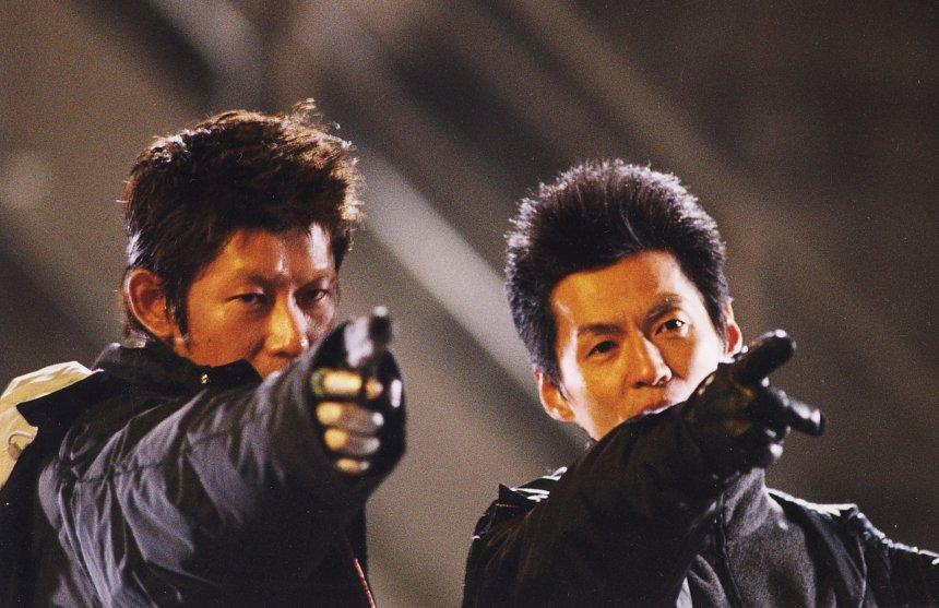 『DEAD END RUN』撮影現場での永瀬正敏(左)と石井監督